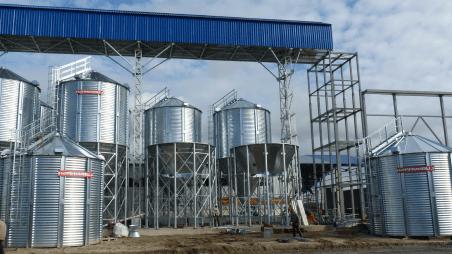 Завод изготовитель элеваторов разница транспортер каравелла